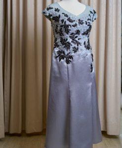 (台北媽媽禮服)B05大尺碼銀灰緞面亮片珠工貼花長禮服